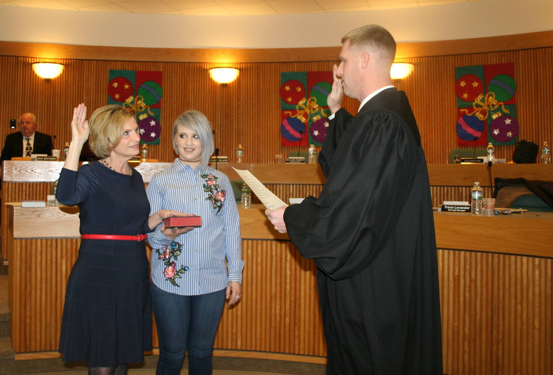 Mayor Jan Cmar is Sworn In by Magisterial District Judge Mike Thatcher